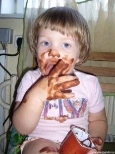 Дети и йогурт